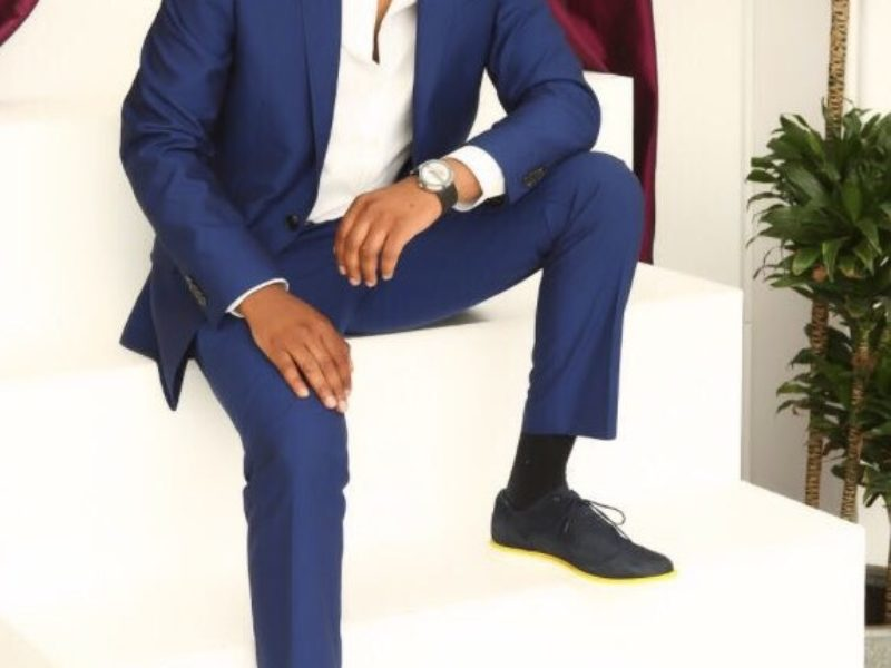 Do you want to be a Menswear Stylist?